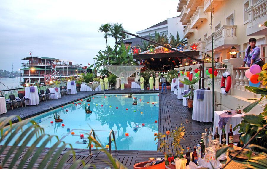 2012 journaal jan tuijp - Zwembad onder het terras ...